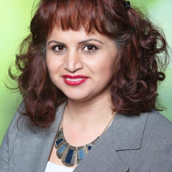 Adela Yamini